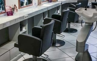 Neue Friseursessel